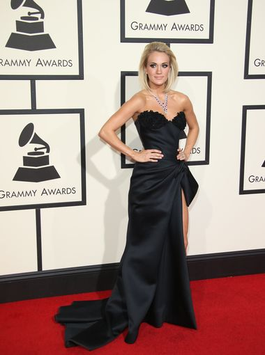 Carrie Underwoo 2016 Grammy Awards