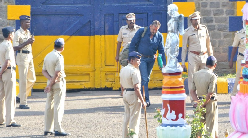 Sanjay Dutt Leaves Jail and Salutes National Flag