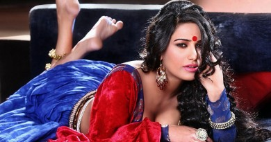 Poonam Pandey hot shocking talent
