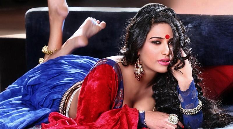 Poonam Pandey hot shocking talent