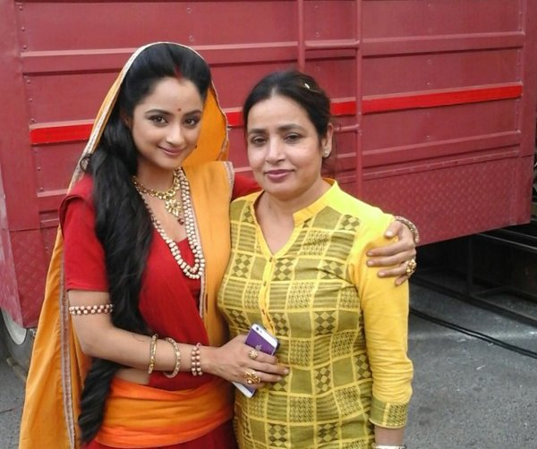 Madirakshi Mundle mom