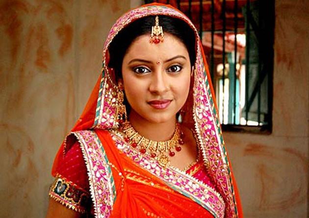 Pratyusha Banerjee hangs herself to death