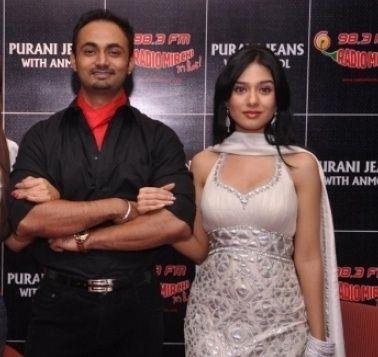 Amrita-Rao-with-RJ-Anmol