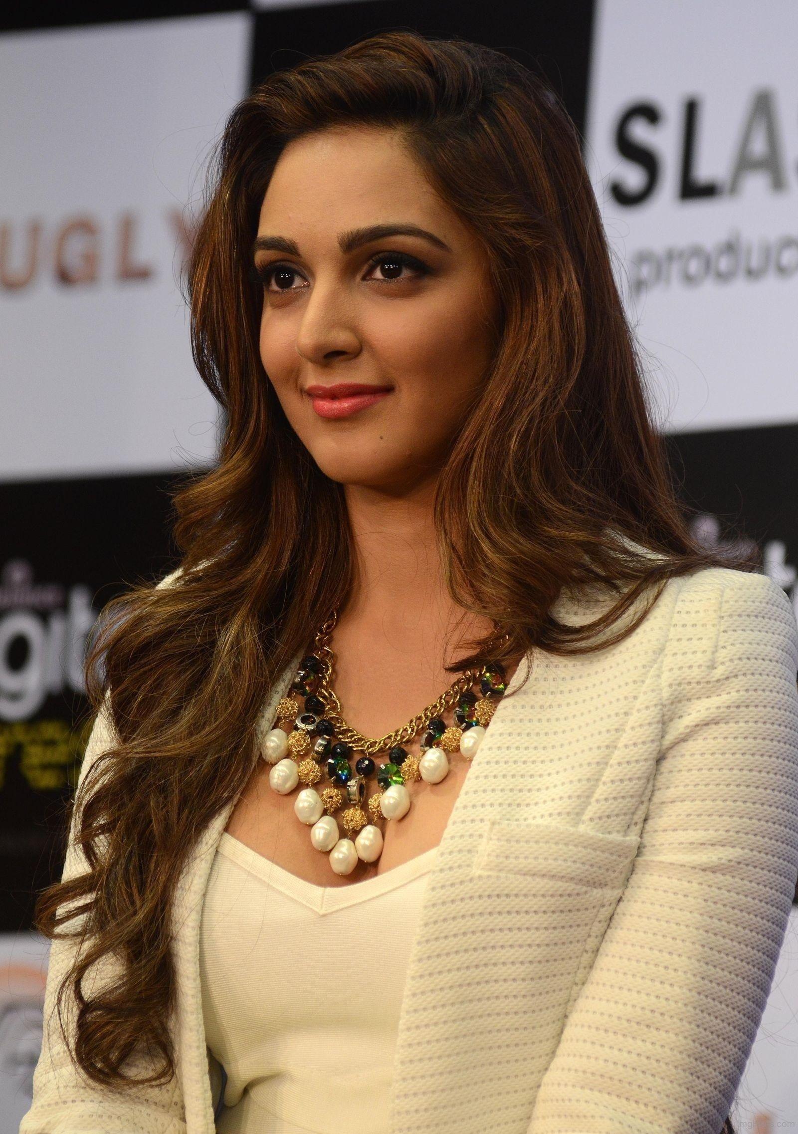 kiara-advani-looking-beautiful