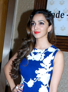 kiara_advani_at_the_promotions_of_fugly_in_ahmedabad_cropped