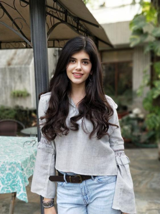 Sanjana Sanghi wiki bio age boyfriend family movie