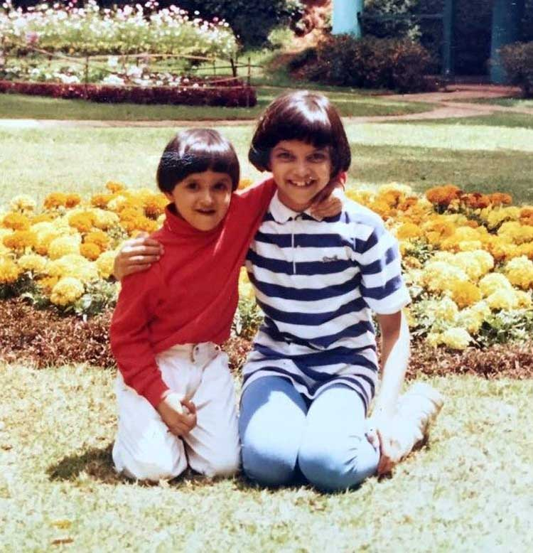 deepika padukone childhood photos sister Anisha Padukone