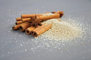 Cinnamon-for-heartburn-acidity-home-remedy