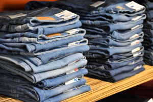 5 WAYS TO PREVENT JEANS FROM FADING IN THE WASH
